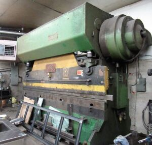 150 TON X 12' CHICAGO MDL. 1012-R PRESS BRAKE [LOCATED IN BROOKLYN, NY]